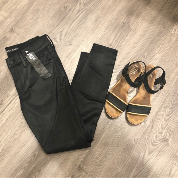 NWT Express Mid-Rise Black Coated Skinny Jeans